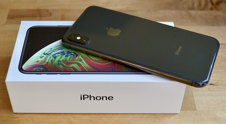 iPhone XS Max hands on review back design and camera