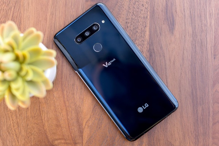 LG V40 ThinQ hands on review, back design and cameras